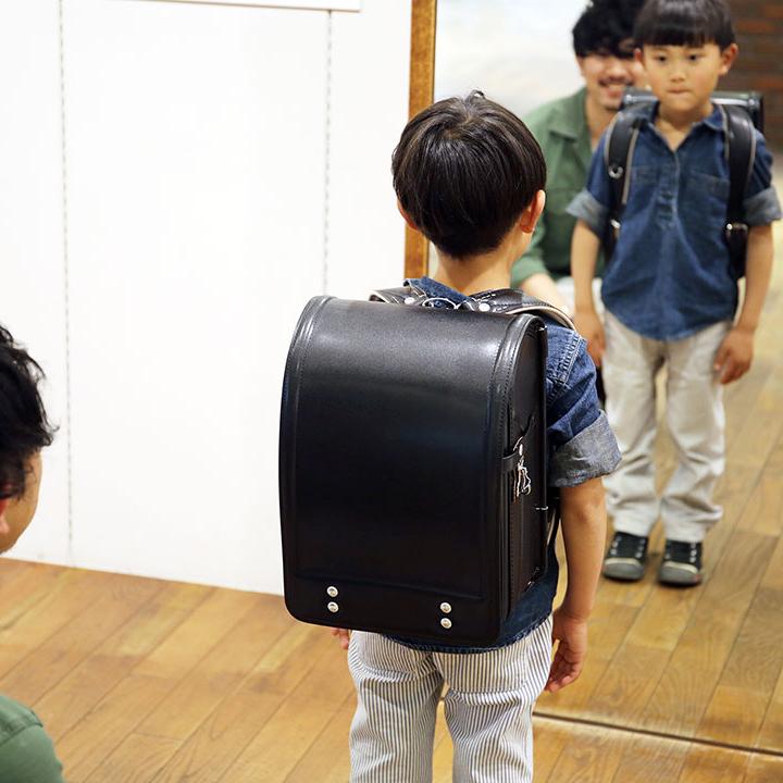 ランドセル購入は1年前から。東京の名店土屋鞄製造所の職人愛に触れにいこう