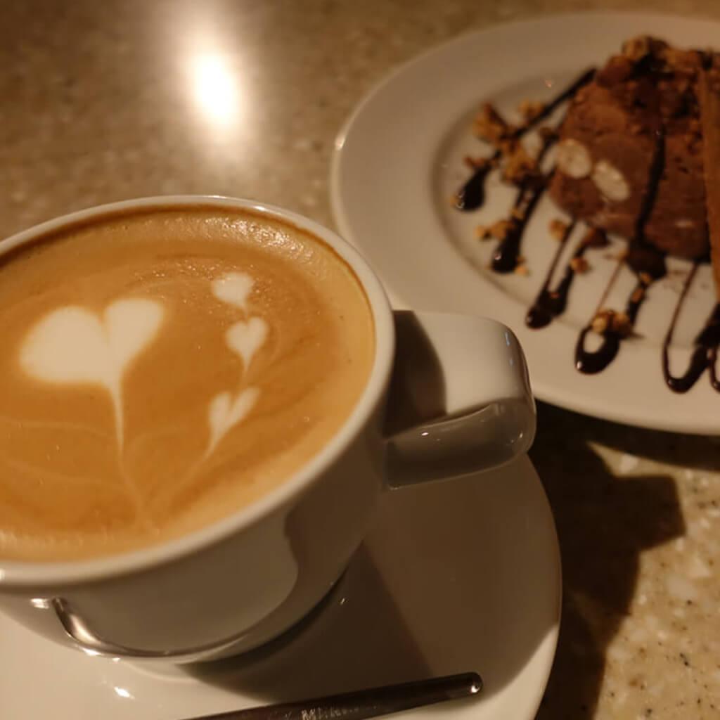 MERCER CAFEコーヒーとスイーツ