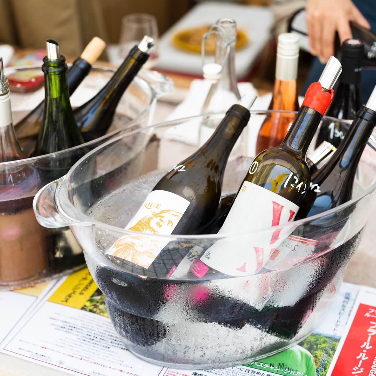 12/15(土)16(日)、国連大学中庭広場にて180種類以上のワインが楽しめるイベント開催