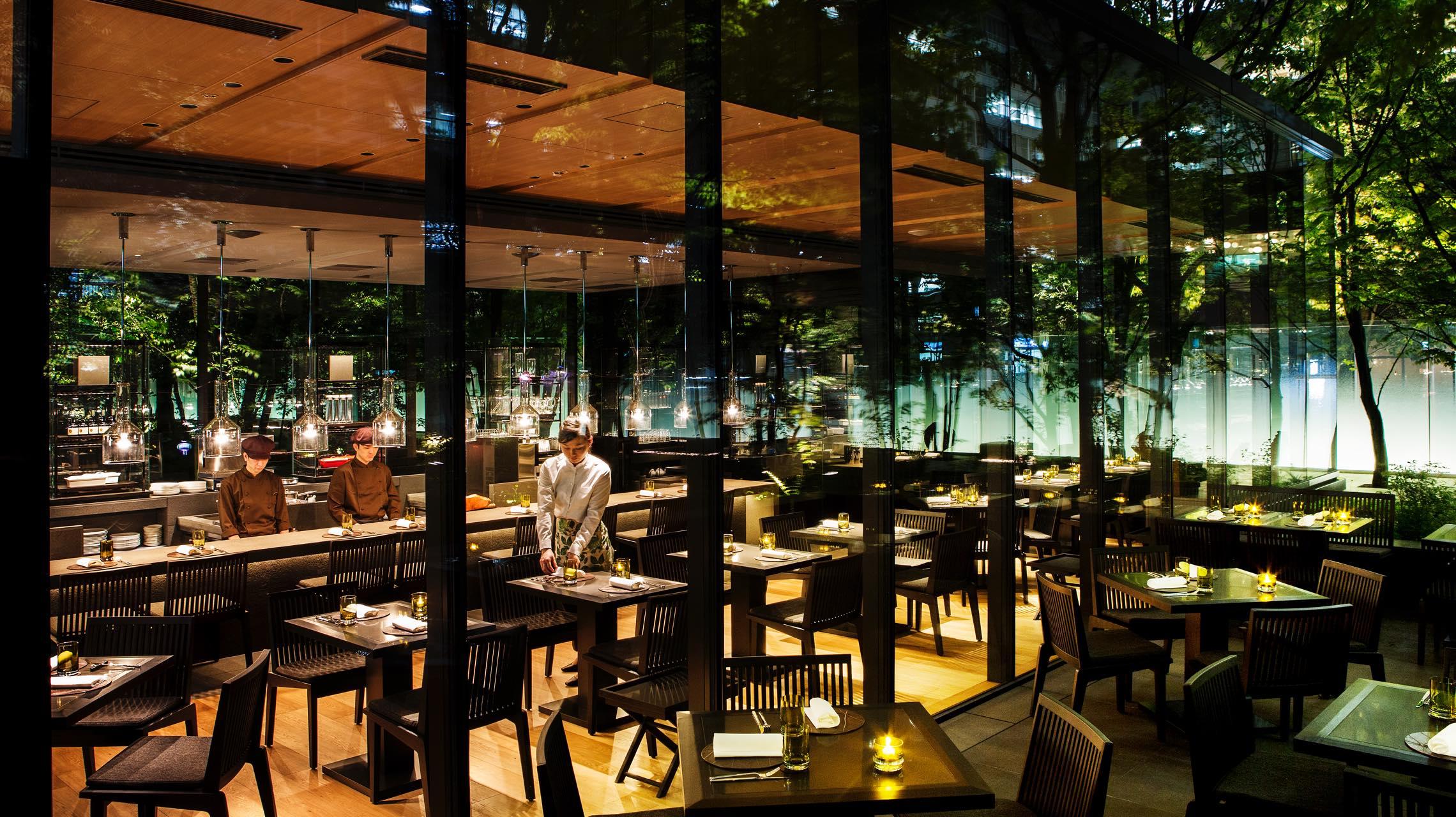 駅近で仕事終わりに立ち寄れる。東京・丸の内の使える夜カフェ