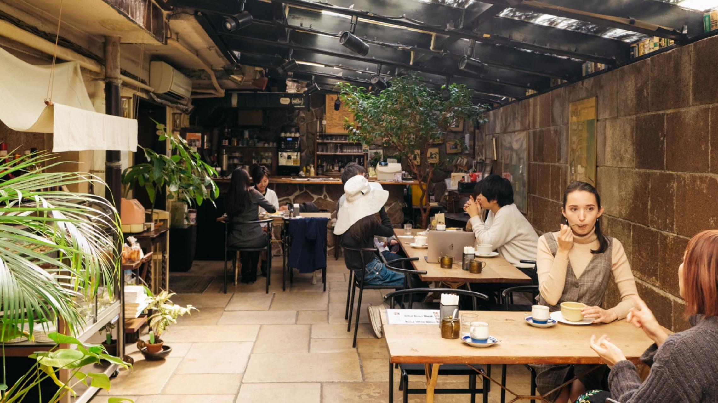 斉藤アリスと考える「会いにいきたい」カフェ。いいカフェは、店主の「人感」がある