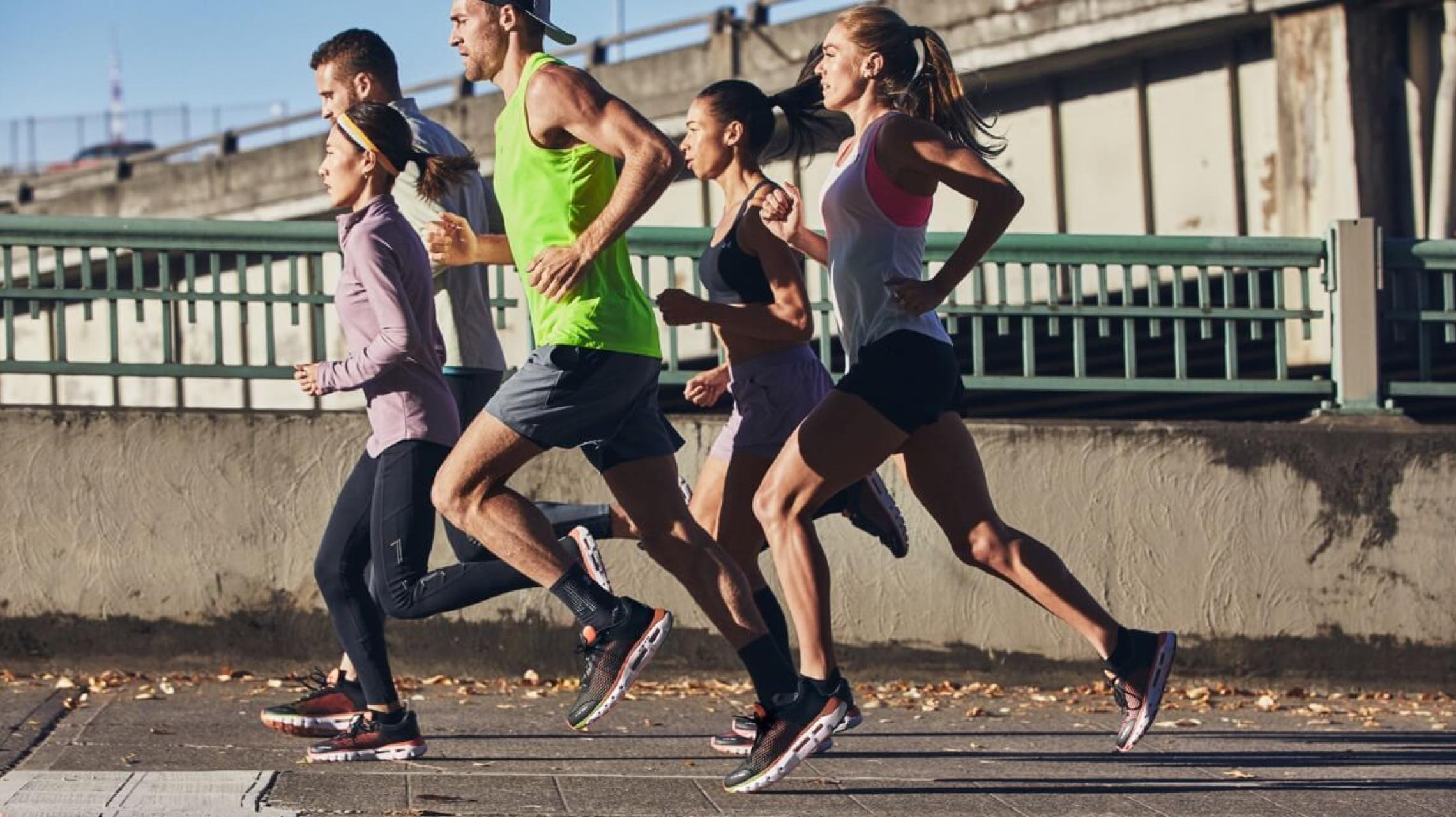 スマホ連動で走りが劇的に変わる。ハイテクランニングシューズの履き心地