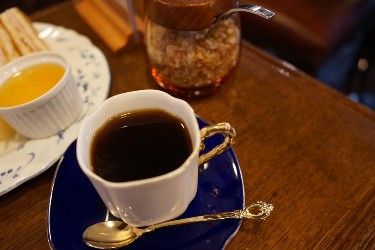 """レトロ喫茶店ブームと一線を画す、これぞ""""正統派喫茶""""の風景が渋谷にあった"""
