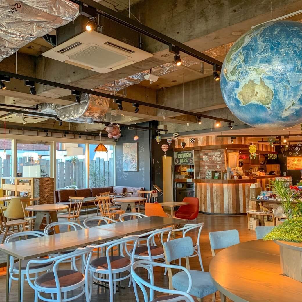 渋谷のカフェで待ち合わせや仕事。センスが問われる男のための4つの正解