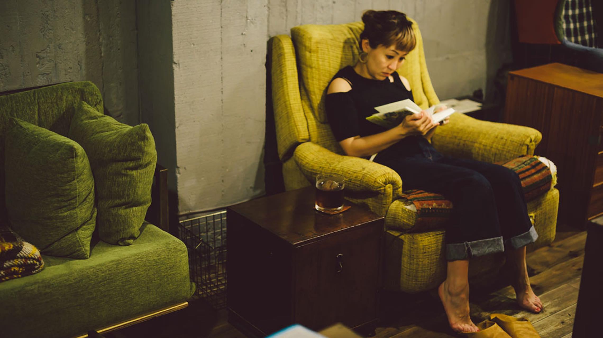本当は教えたくない、夜の図書館。最高の読書環境が約束された「fuzkue」