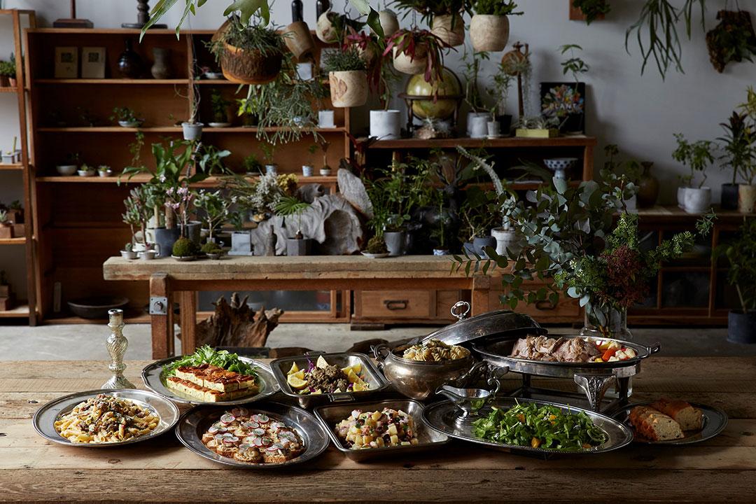 映画と料理を楽しむ月例イベントがスタート。「食べる」を見つめる週末に