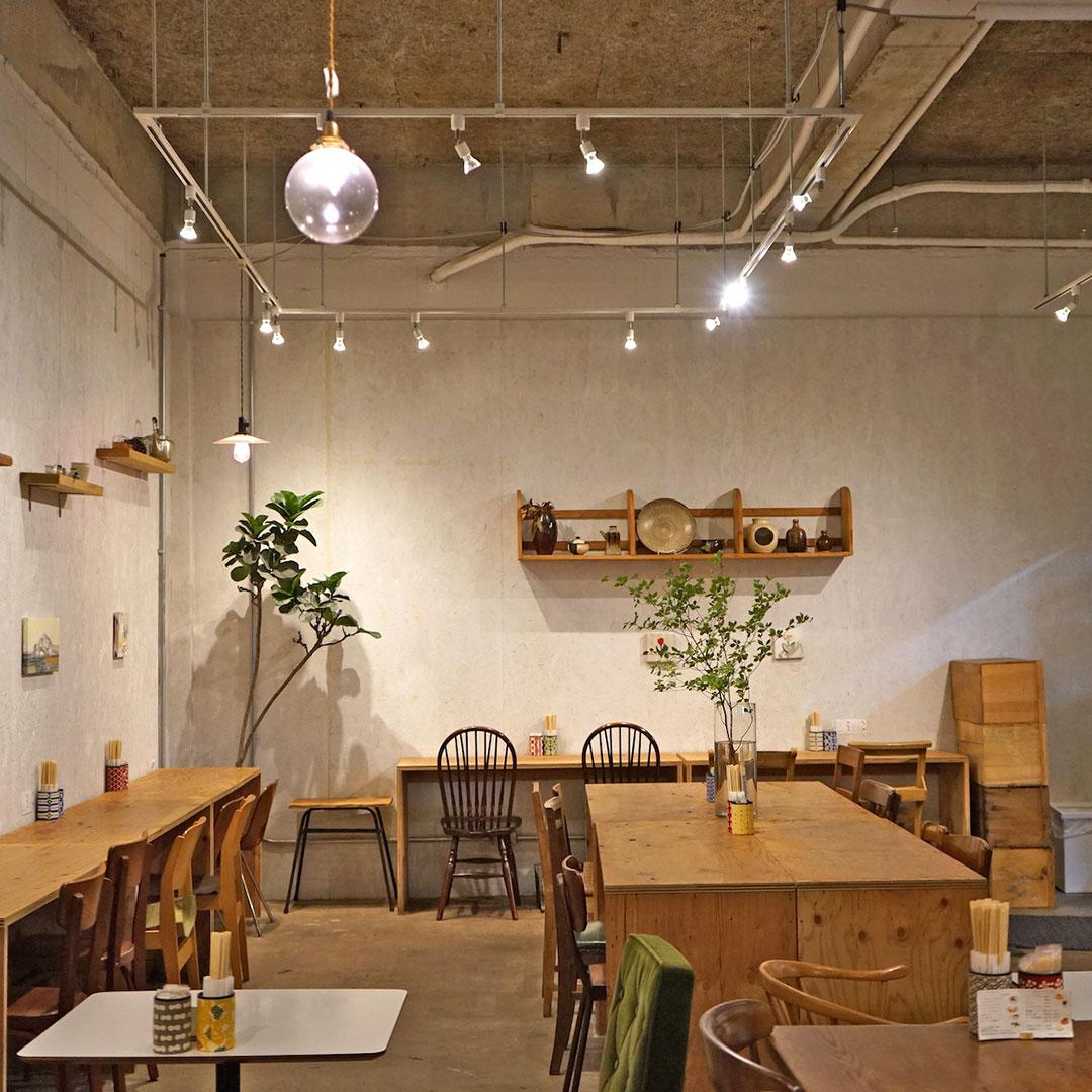 温もり溢れる良質なカフェと日用品。日常に小さな幸せをくれる吉祥寺「四歩」
