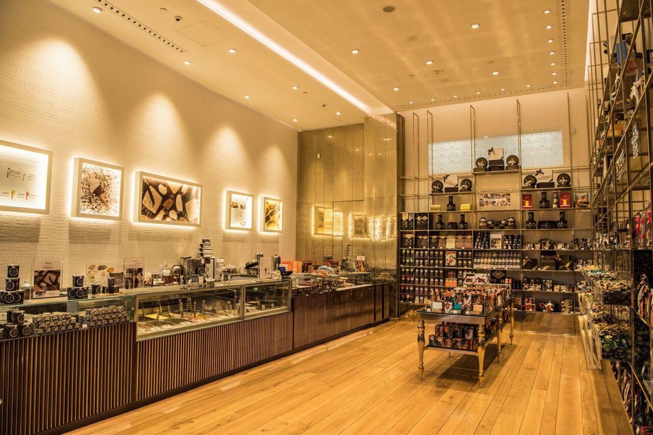 イタリア老舗チョコレート・ジェラート専門店「ヴェンキ」が銀座にオープン