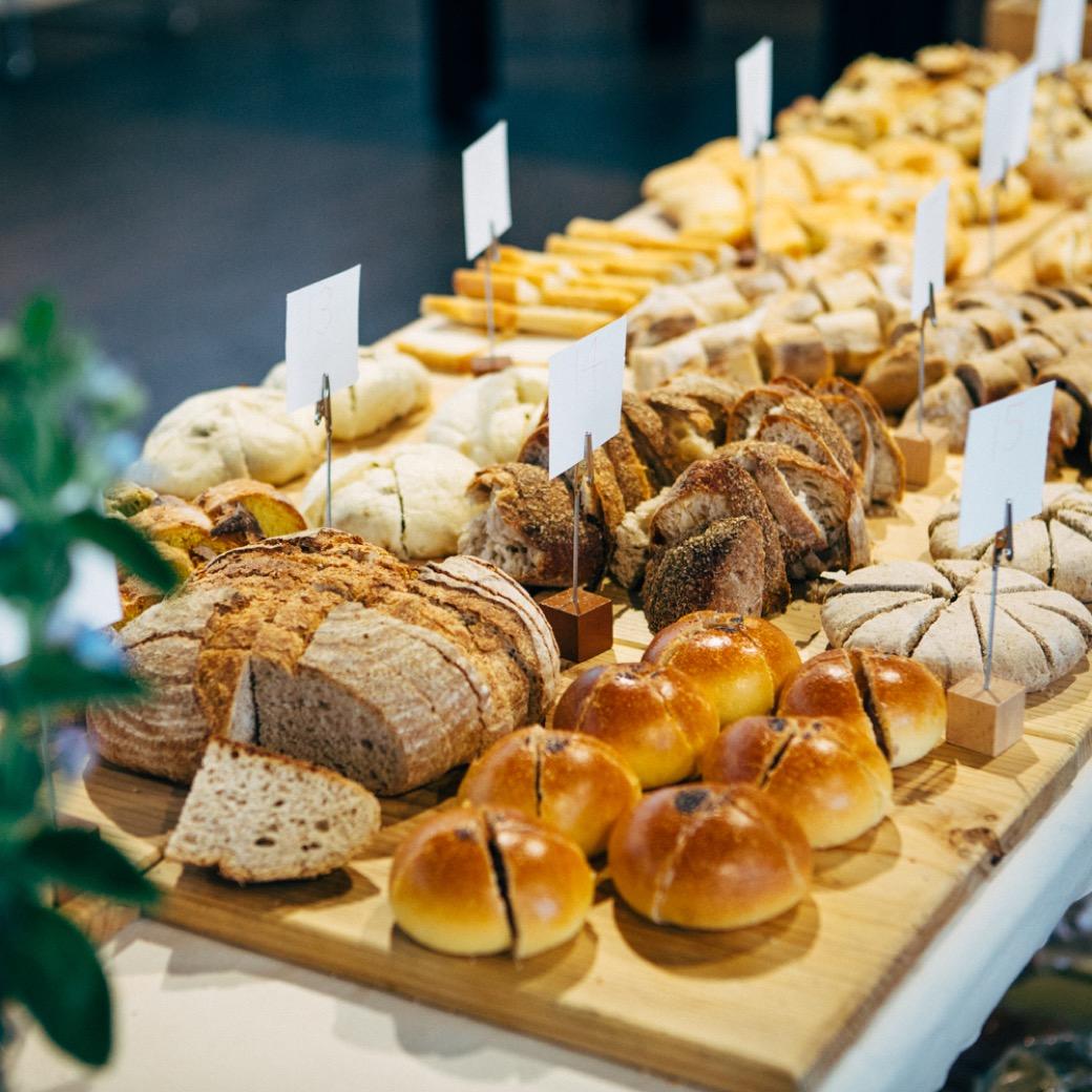 第16回「青山パン祭り」開催! こだわりのパン屋さんが国連大学前庭に集結
