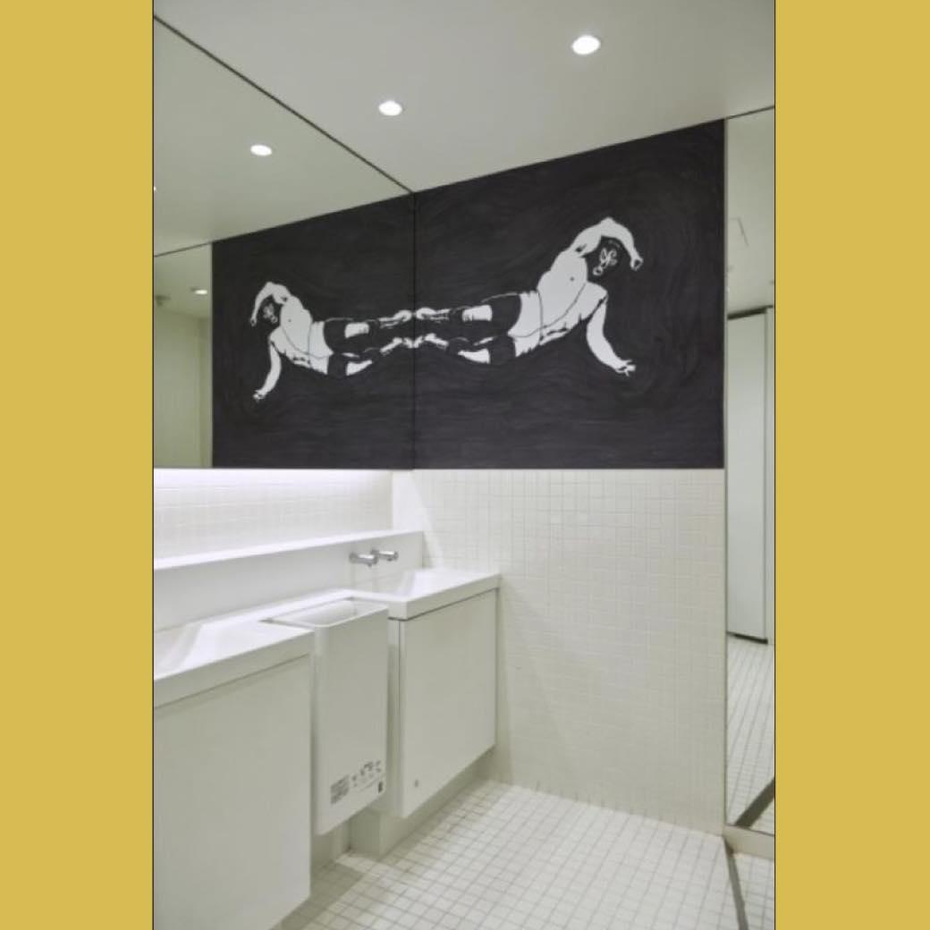 浅野忠信がトイレをアート空間に。ラフォーレ原宿の新たな試み。