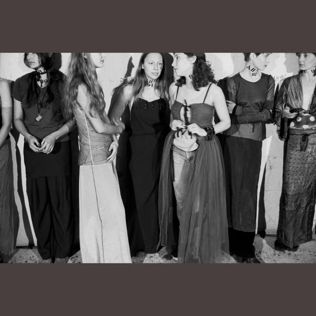 「写真」と「ファッション」が変化した1990年代以降を検証する企画展が開催
