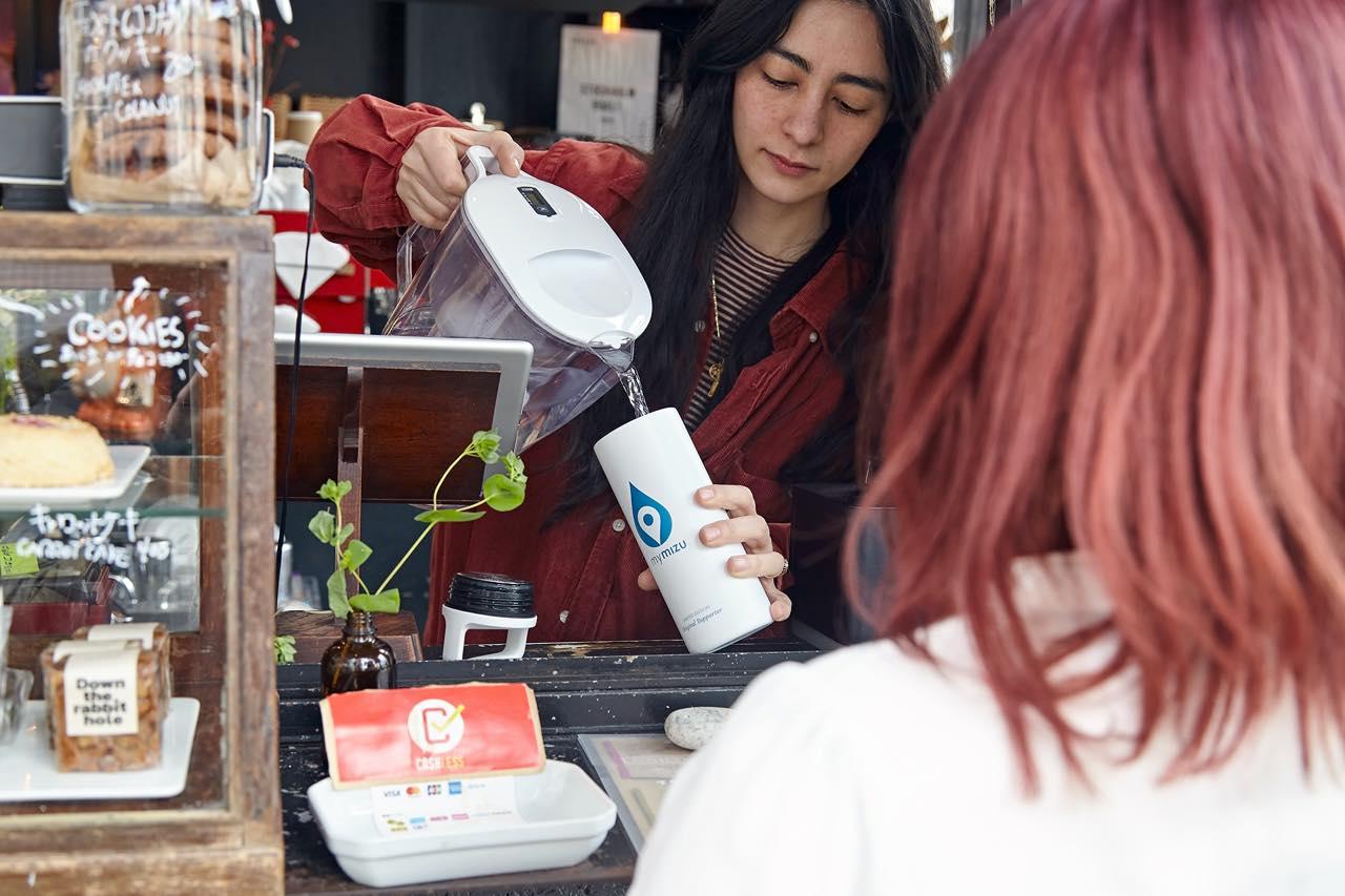 """外出先でおいしい水が""""無料""""で手に入るアプリ「mymizu」は地球にも自分にも優しい"""