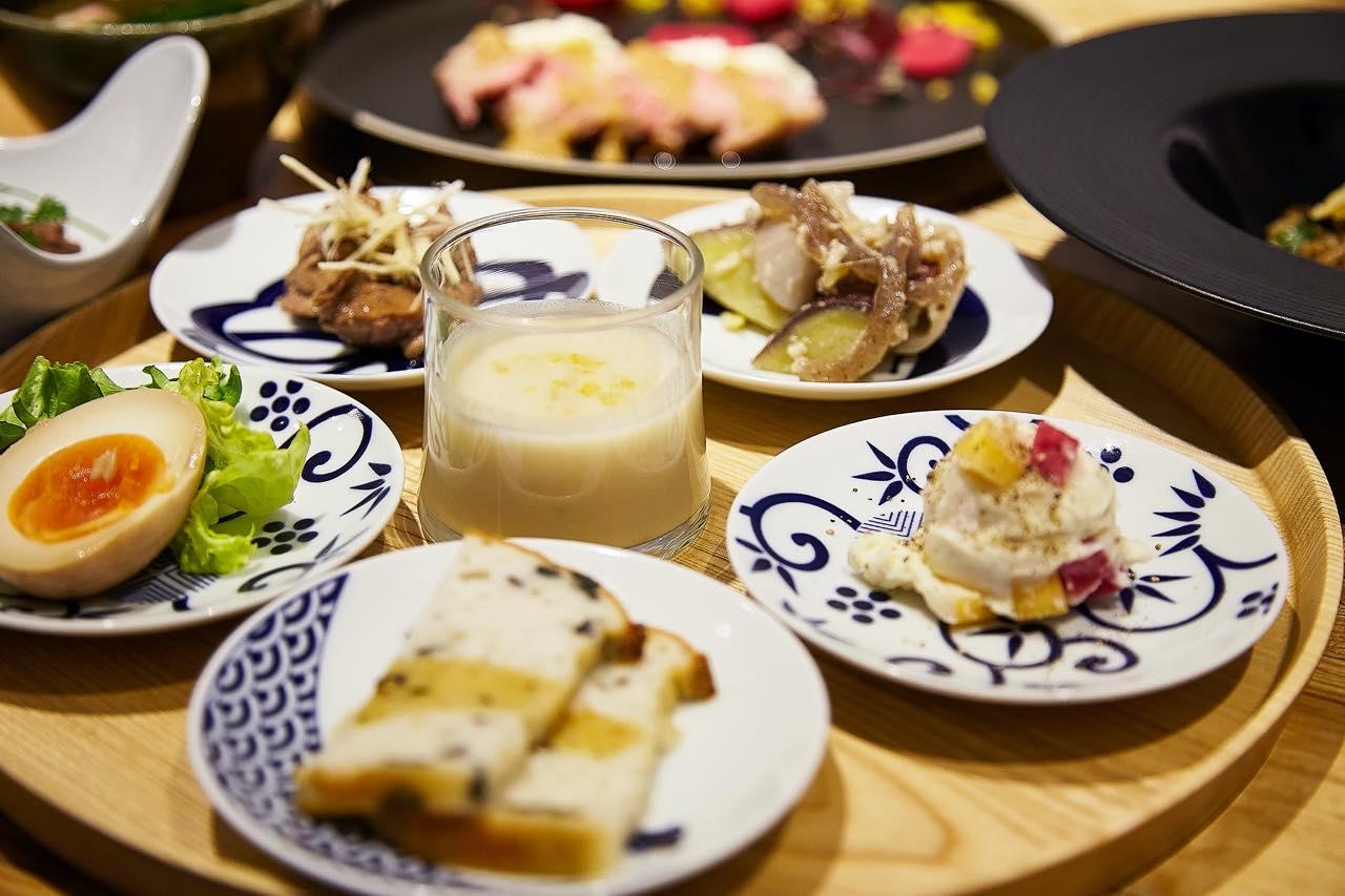 ポークジンジャーにパスタ、お馴染みのメニューが発酵づくし。Hacco's Tableで菌を食べよう