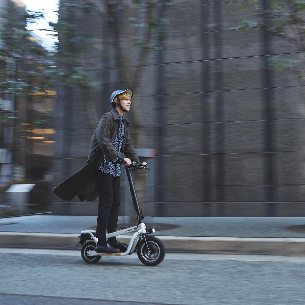 電動バイクにキックボード。今話題のワンマイルモビリティの魅力