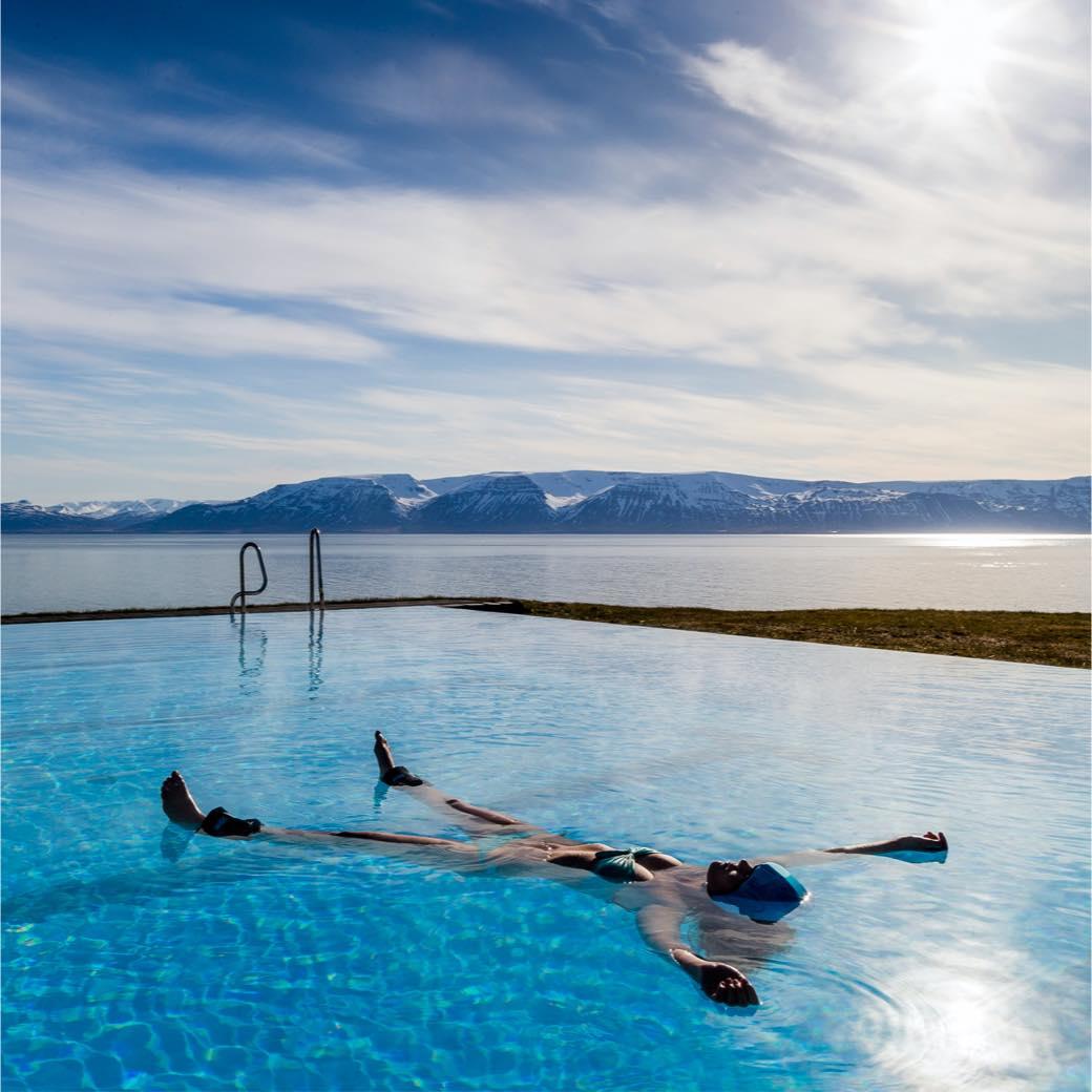 水に浮くだけで深い癒しを。新感覚リラクゼーション「FLOTHETTA(フロテッタ)」