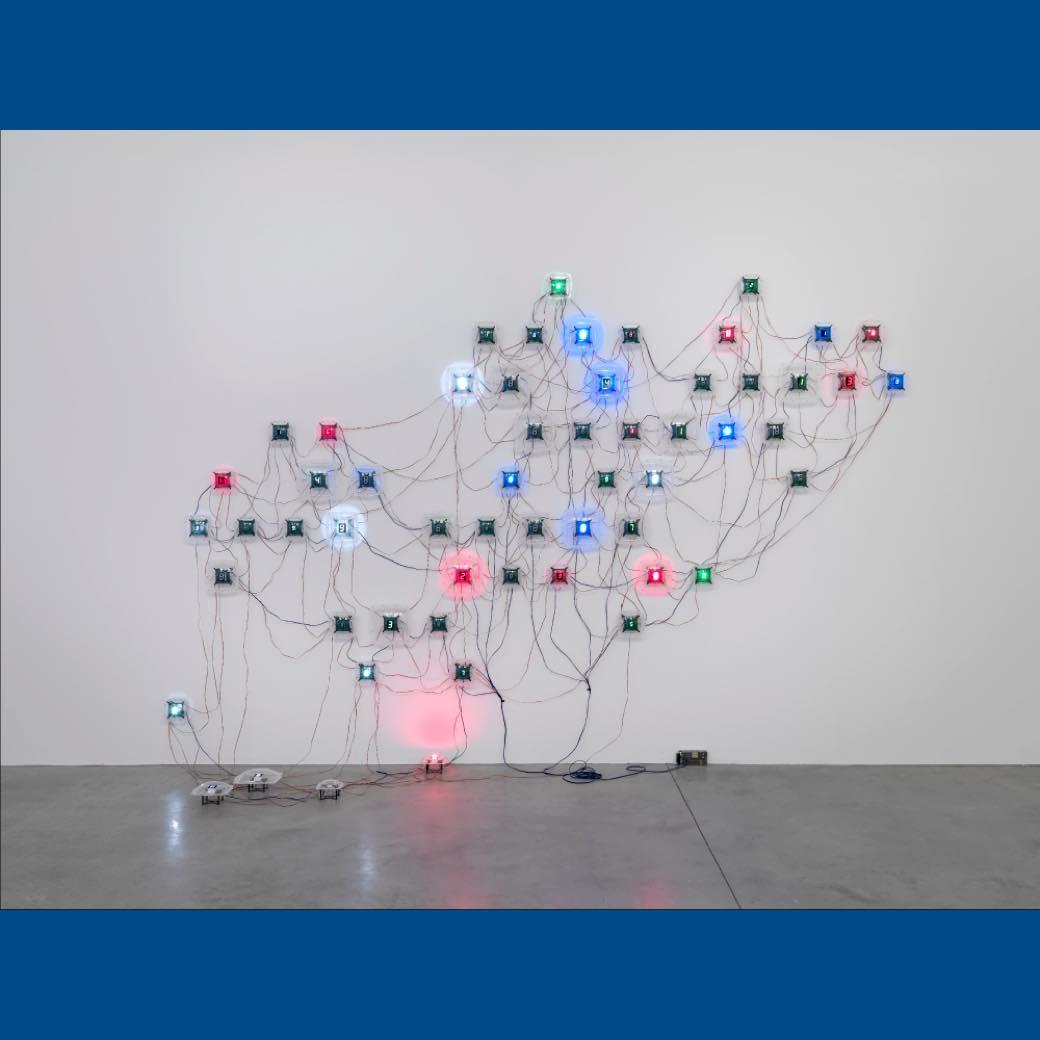 世界的アーティスト宮島達男の大規模個展。LEDインスタレーションで没入体験を