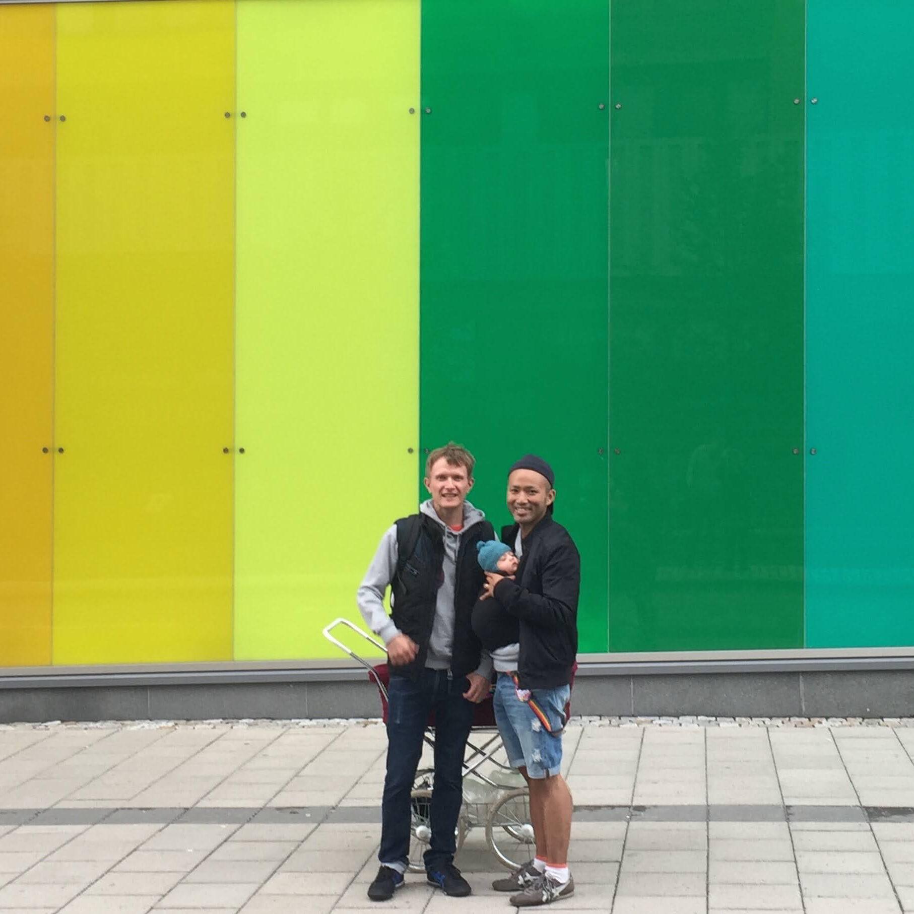 導かれた、知らなかった世界。同性婚合法の国で叶えた、フラットな幸せ[結婚の先輩に聞け!Vol.04]