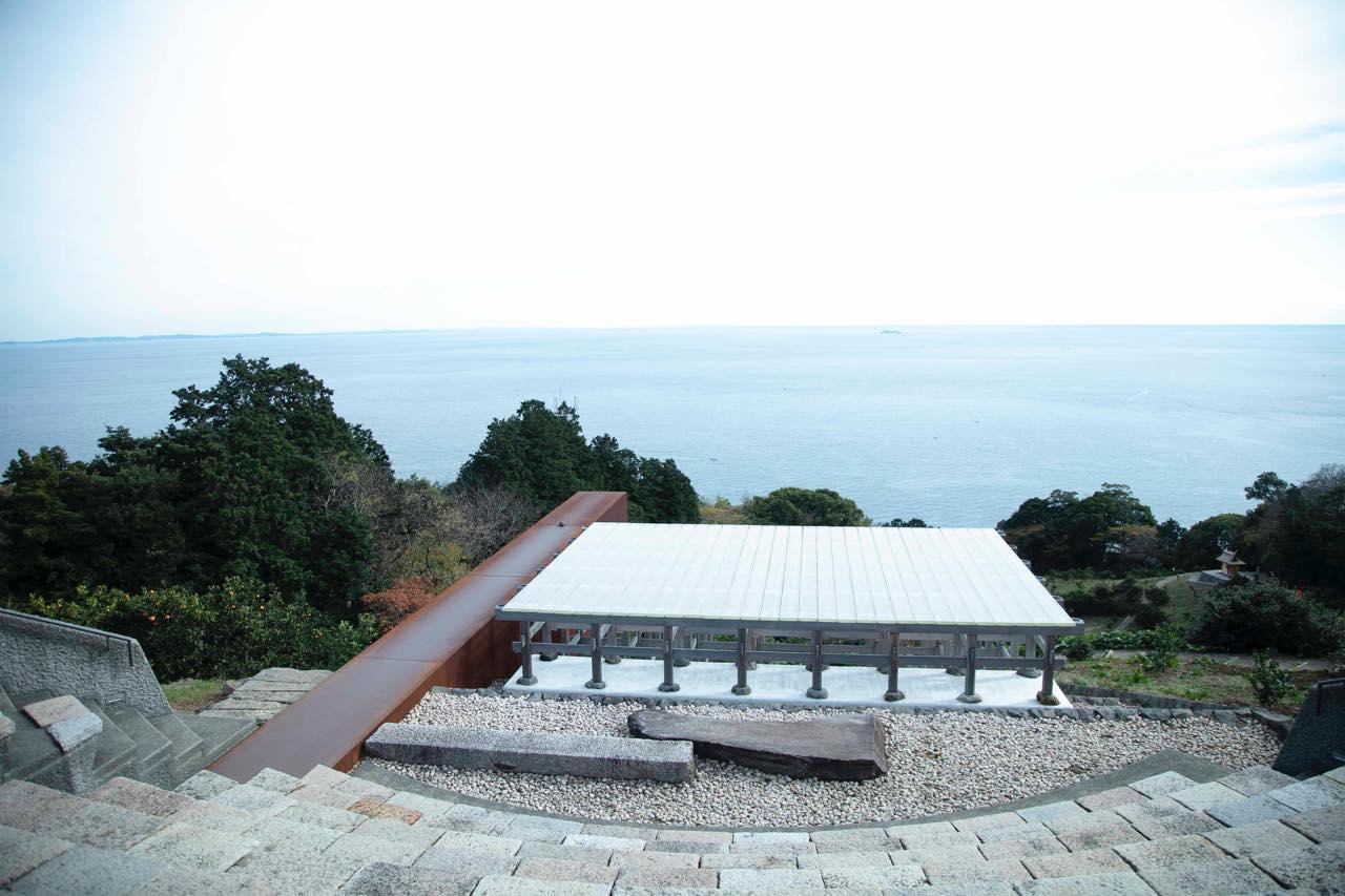 東京から一番近い、自然遺産。心を震わす「小田原文化財団 江之浦測候所」へ