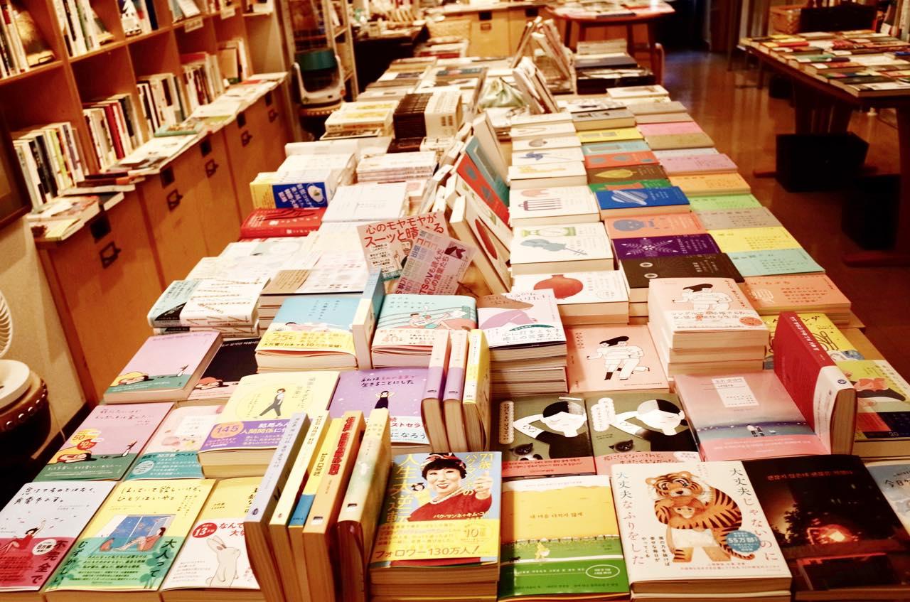 買い物ついでに豆知識もゲット。神保町の専門店で買い物をする