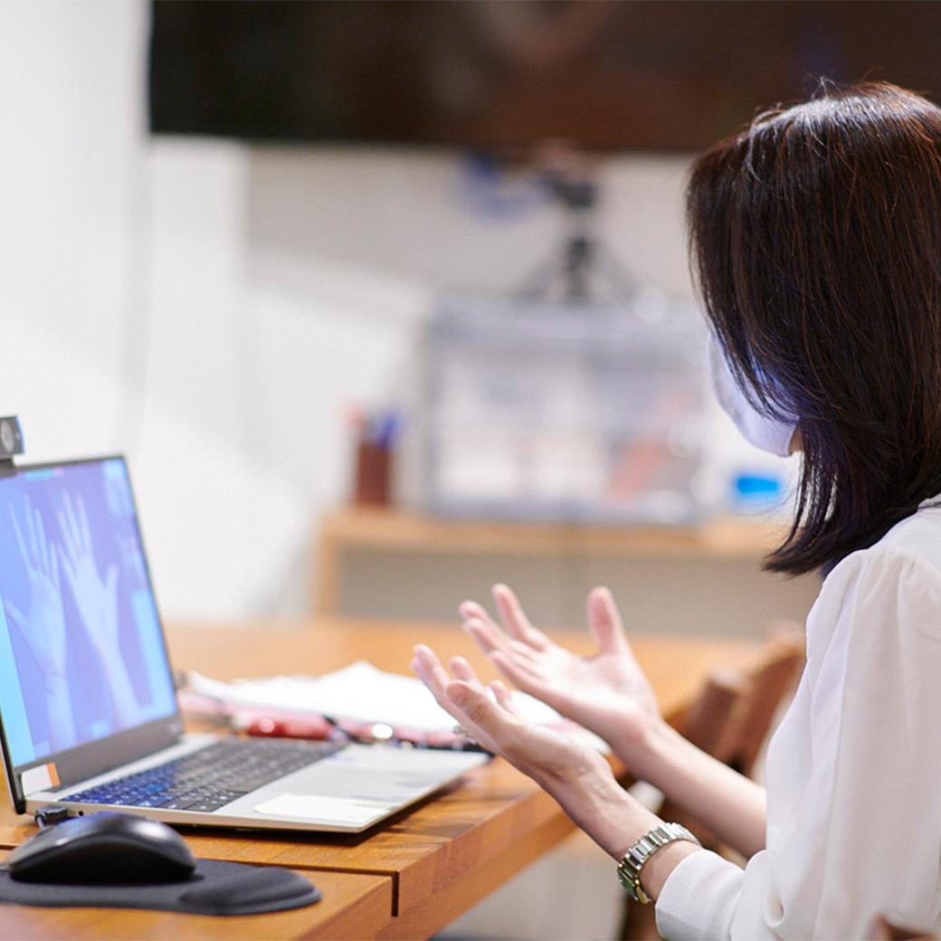 編集部と読者が手相術の世界を覗き見。自分の手がもっと好きになる手相術体験